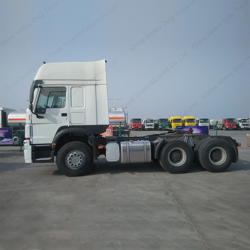Sino Truck HOWO 336HP 6X4 Towing Head Tractor Trailer pictures & photos