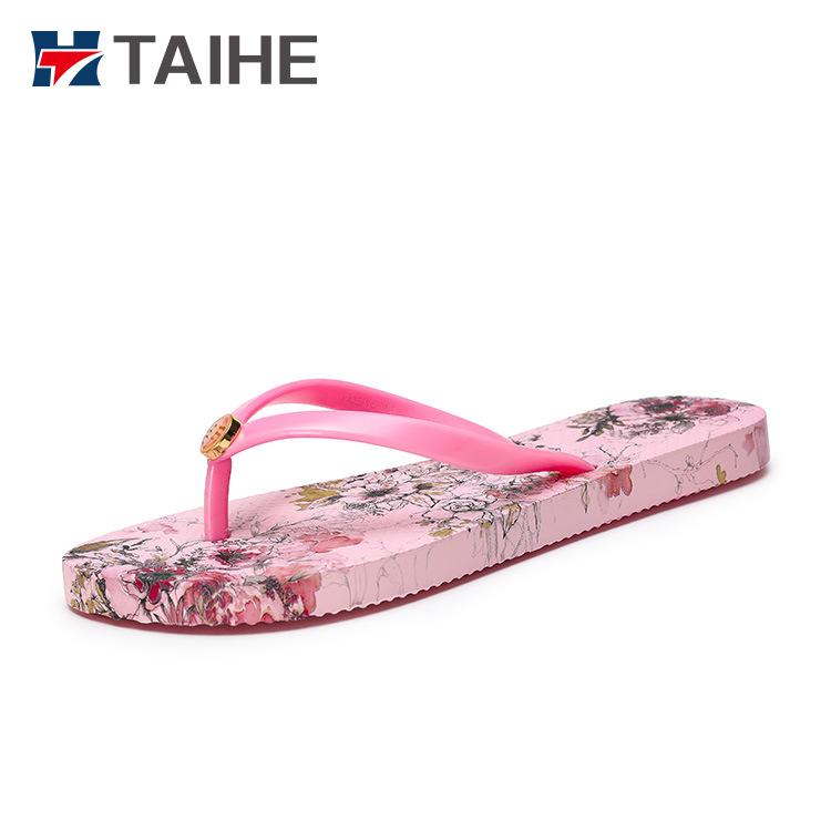 1a75a1843c57b China New Flat Beach Slippers for Women Beach Girls Flip Flops - China Flip  Flops, Flip Flop Sandal