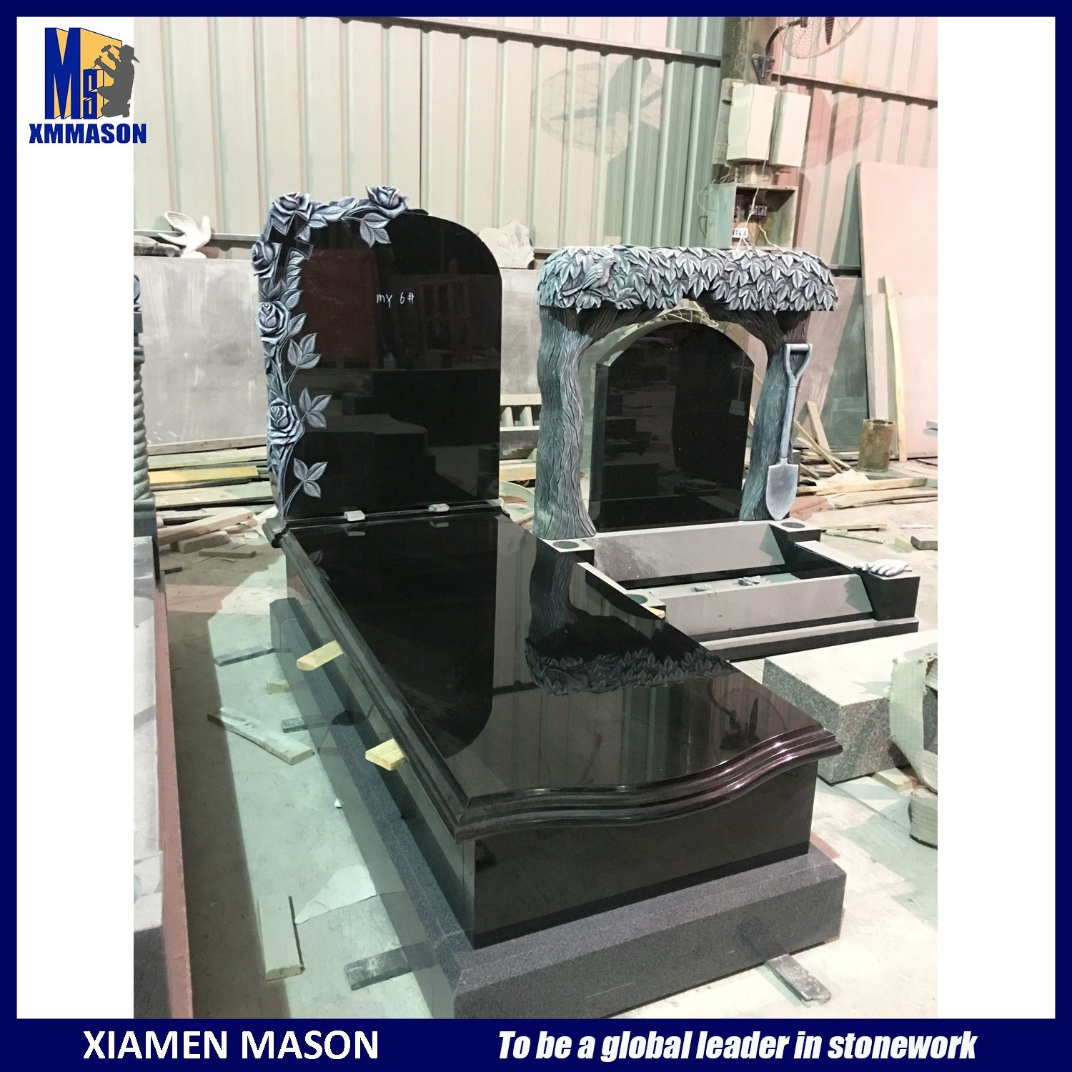Black Granite Headstones with Roses Engraved Tombstone pictures & photos