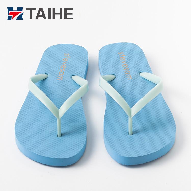 edb59c69c299 China Customized Wholesale PVC Outdoor Men Slippers Women Rubber Flip Flops  - China Flip Flops