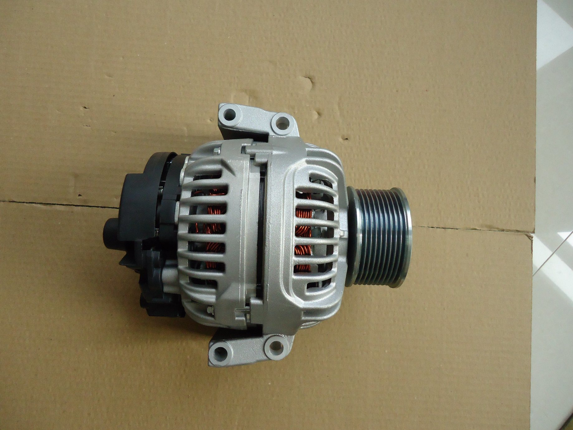 AC/ Auto Brush Alternator with Daf 0124555018 24V82A pictures & photos