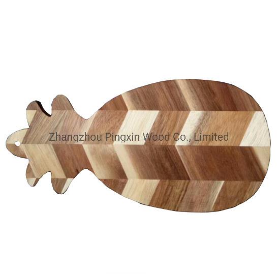 China Pretty Pineapple Shape Natural Acacia Wood Cutting Board