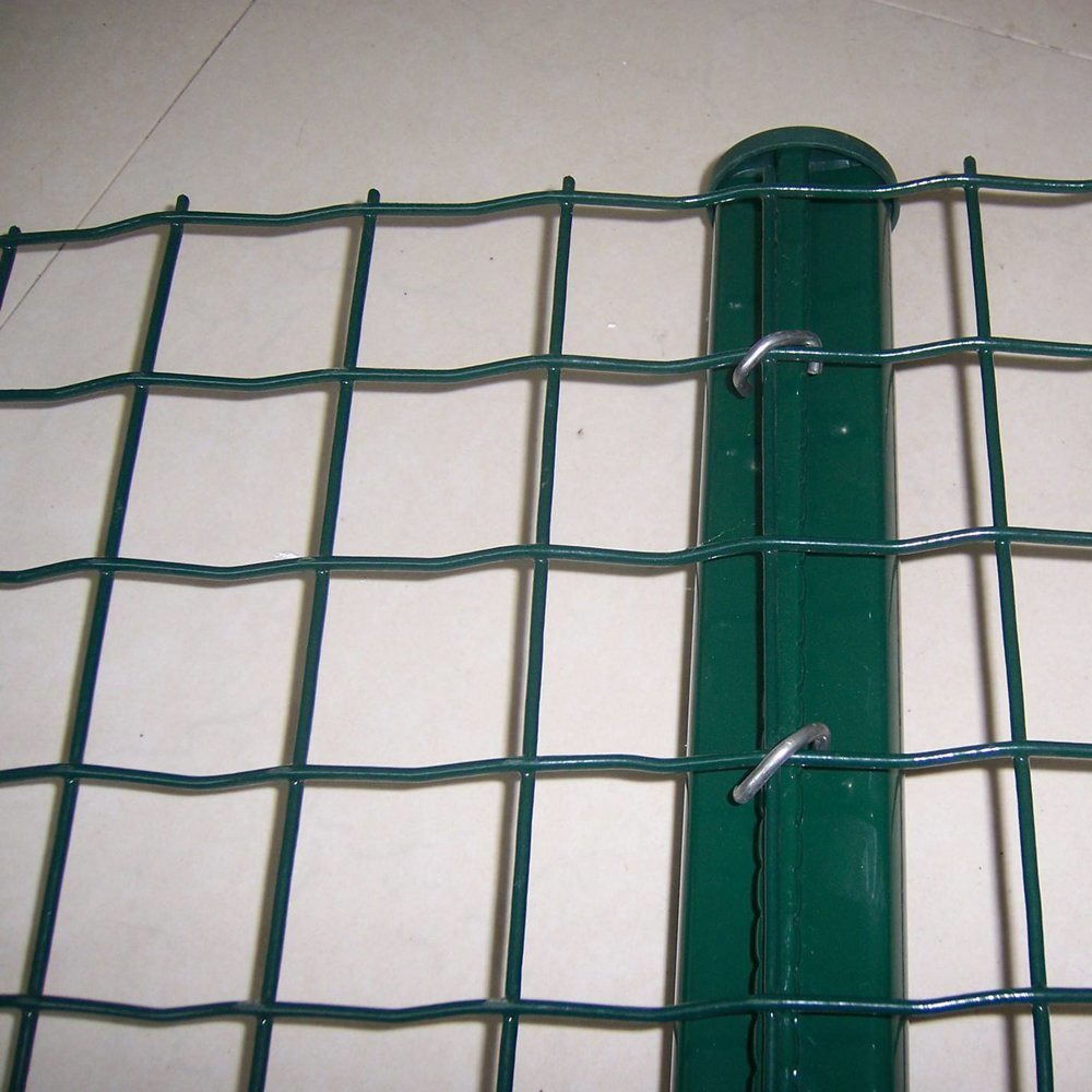 China Green PVC Coated Garden Trim Border Wire Mesh Fence - China ...
