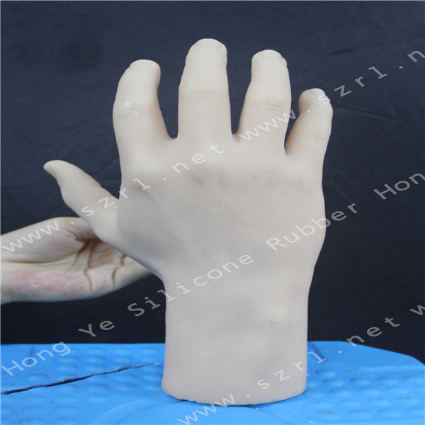 Food Grade Liquid Silicone with Silicone Man Dolls for Women pictures & photos