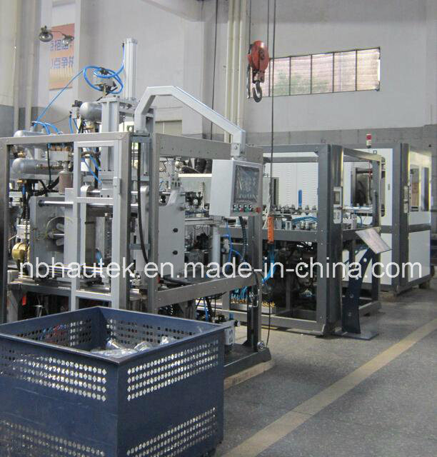 Full Automatic Pet Bottle Blow Molding Machine pictures & photos