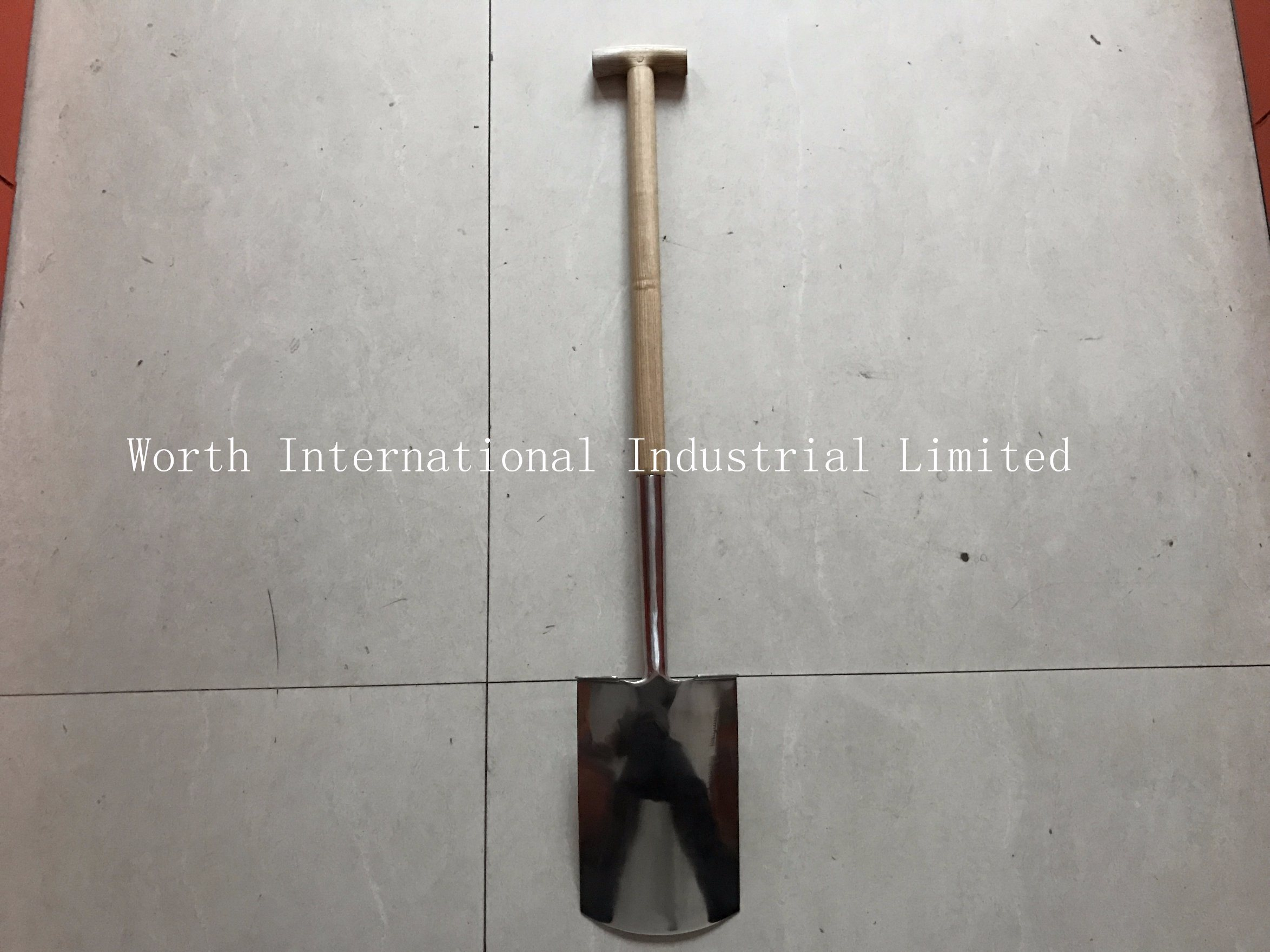 T Wooden Handle Stainless Spade pictures & photos