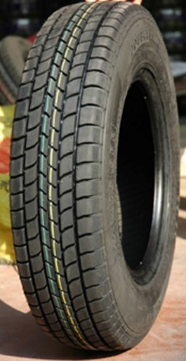 PCR Tyre 185/65r15 83h pictures & photos