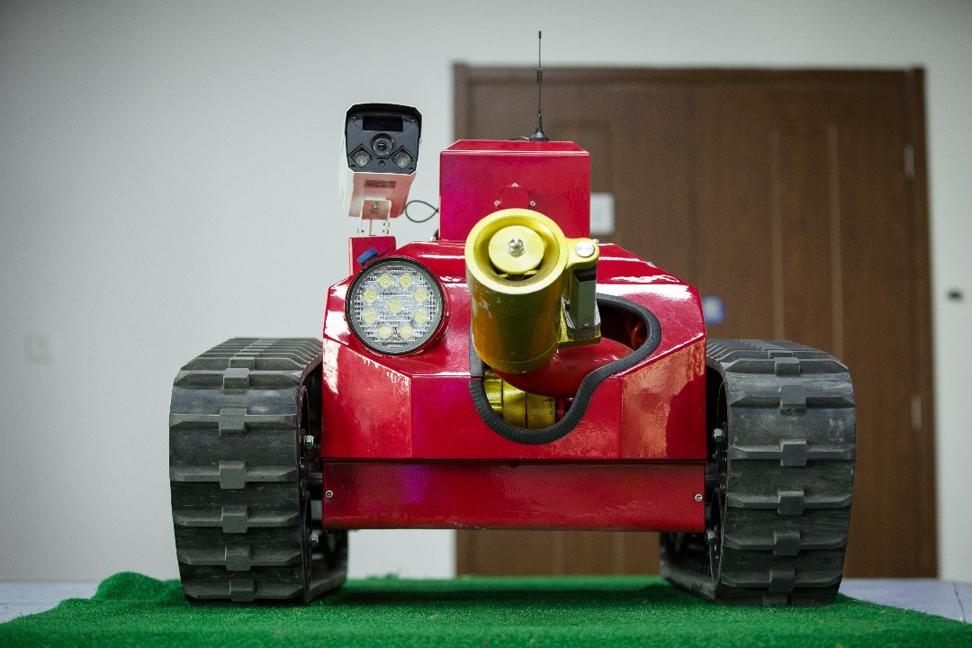 High Efficiency Fire Fighting Robot