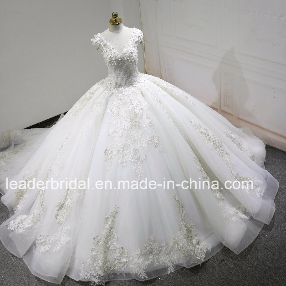 Puffy Wedding Dresses | China V Neck Quinceanera Ball Gowns Beaded Real Photos Crystal Lace