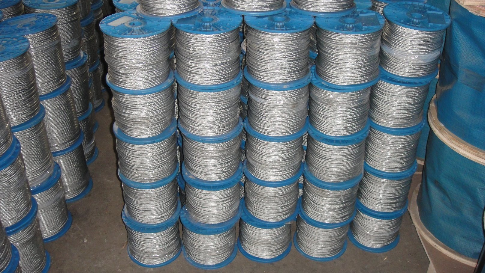 China Galvanized Steel Wire Rope 6X7 for Electric Car Windows ...