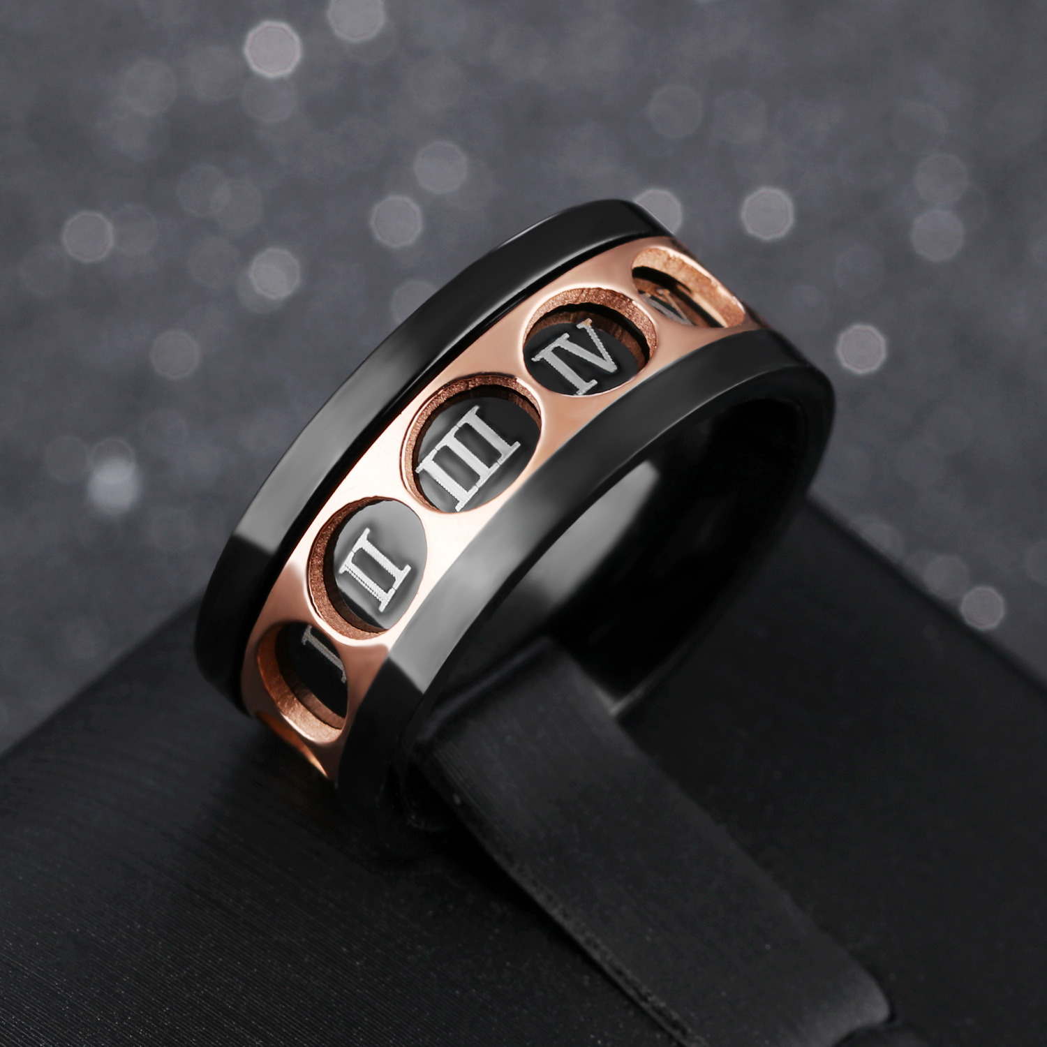 2018 Creative Roman Numerals Stainless Steel Rotatable Ring for Men pictures & photos