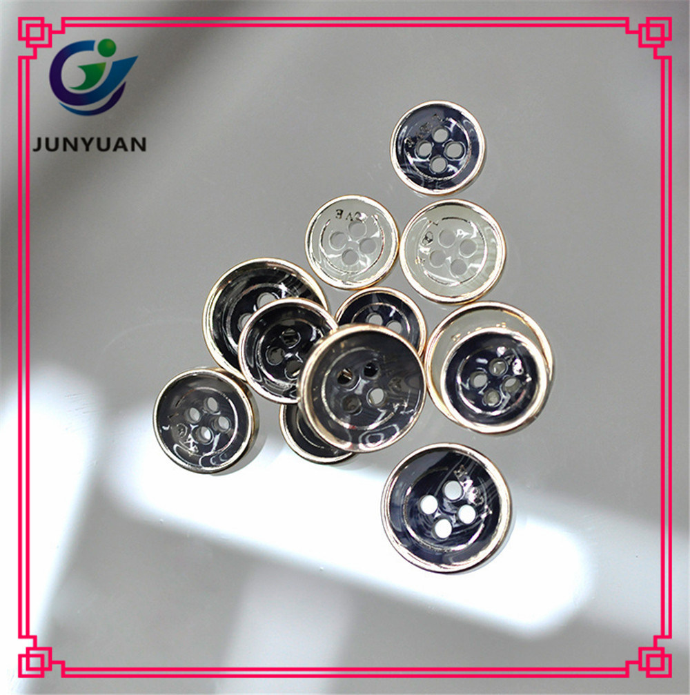 China Bright Edge 4holes Resin Coat Shirt Button China Garment