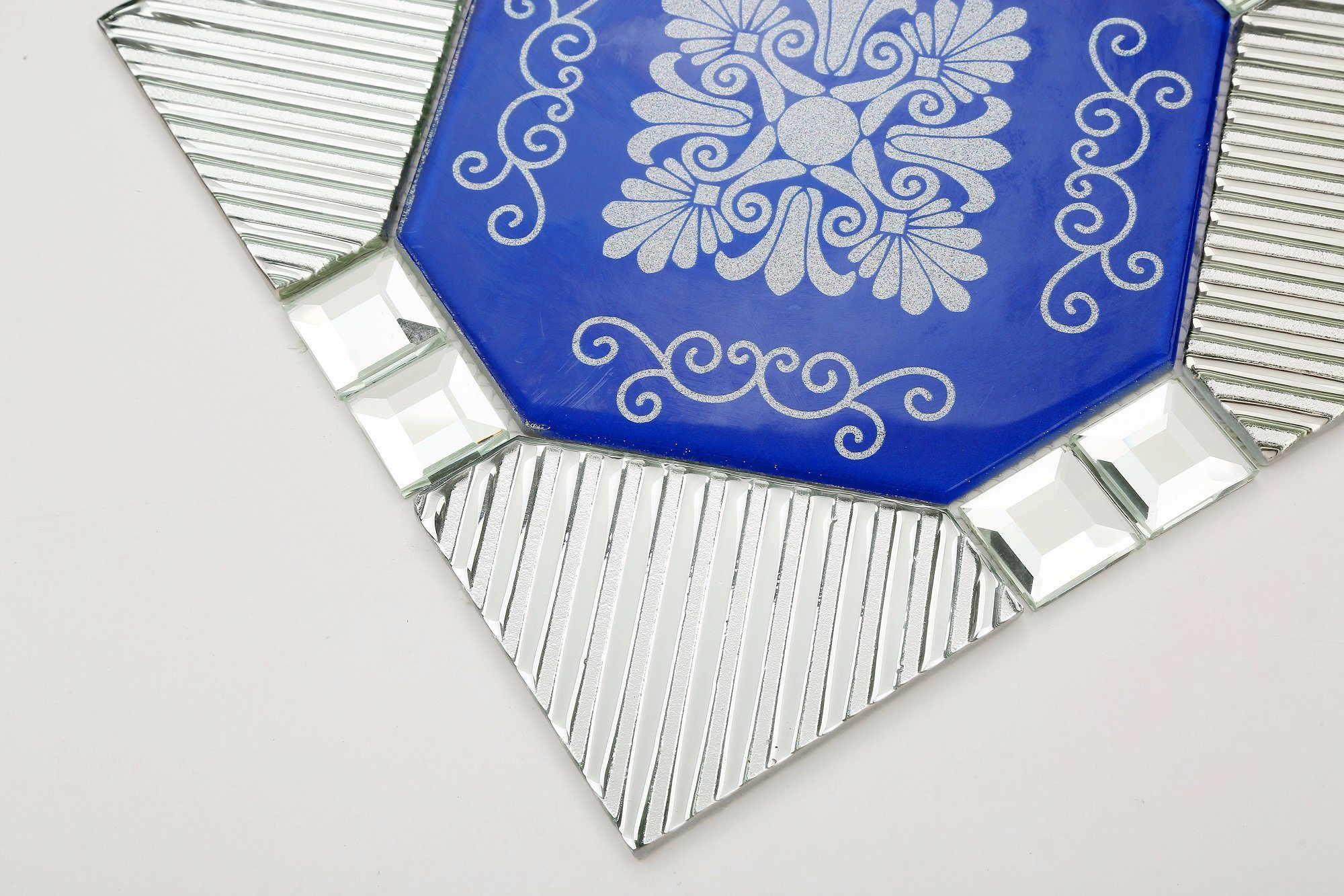 China 304x304mm Broken Glass Mosaic Tile In Foshan X113b Ceramic Tiles