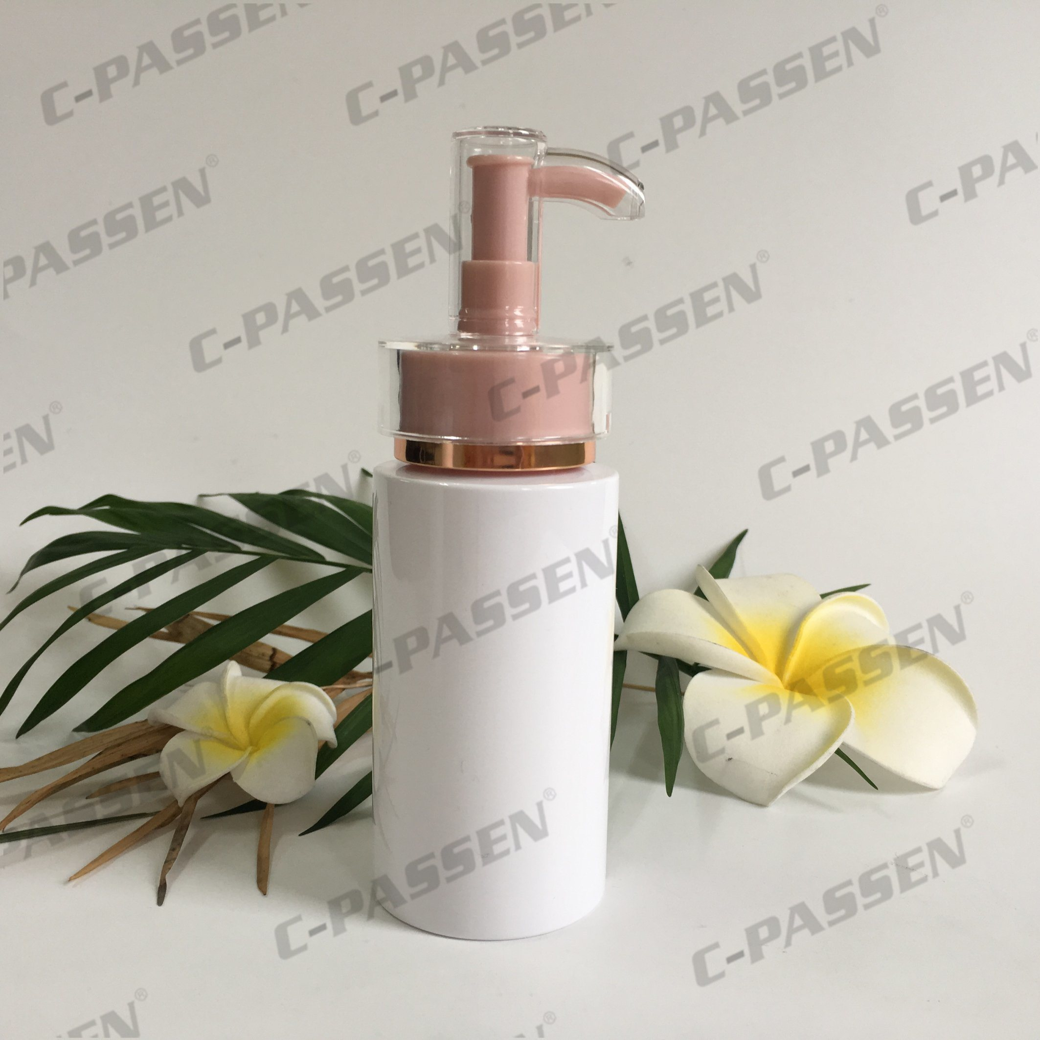 Plastic Skincare Packaging White Pet Bottle with Lotion Pump (PPC-PB-064)