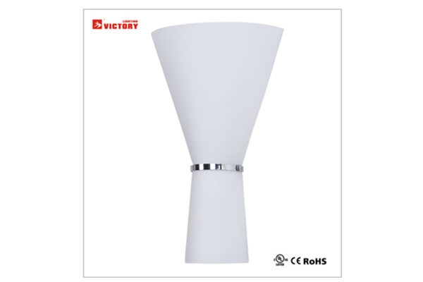 Modern LED Wall Lamp Light with Ce RoHS UL pictures & photos