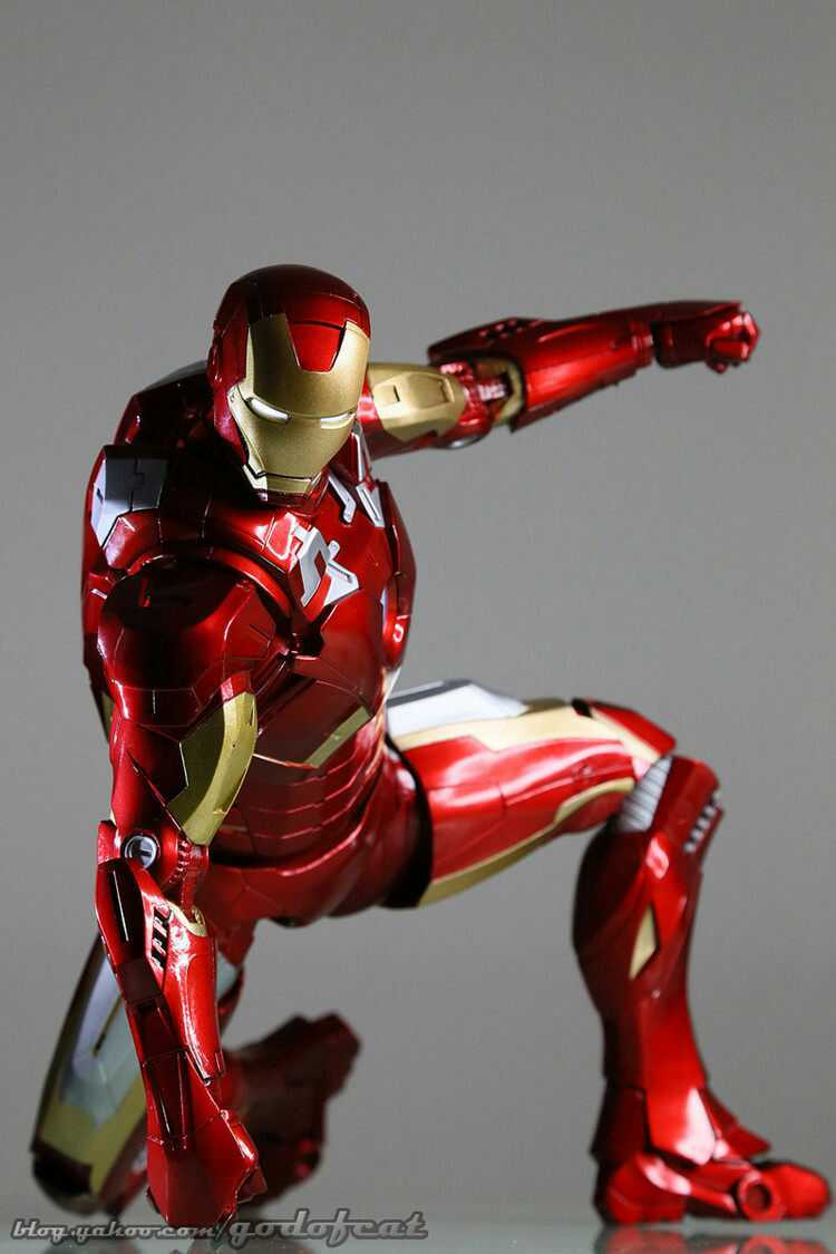 China Ems Free Shipping The Avengers Iron Man Pvc Action Figure Collectible Model Toy With Led Light 18 Mk7 China Ironman Price