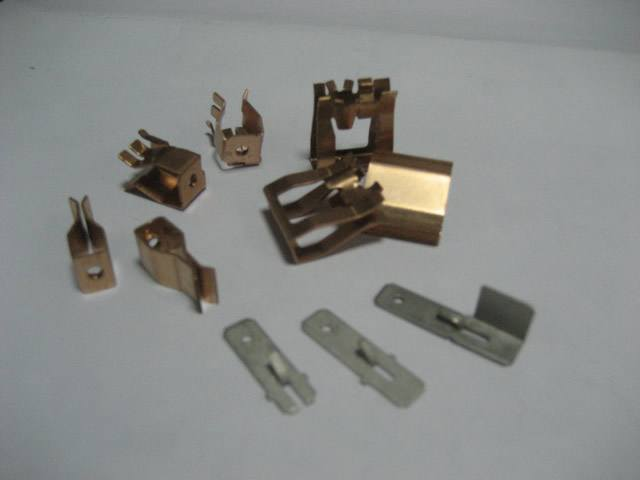 High Precision Metal Stamping and Bending Electrical Contacts pictures & photos