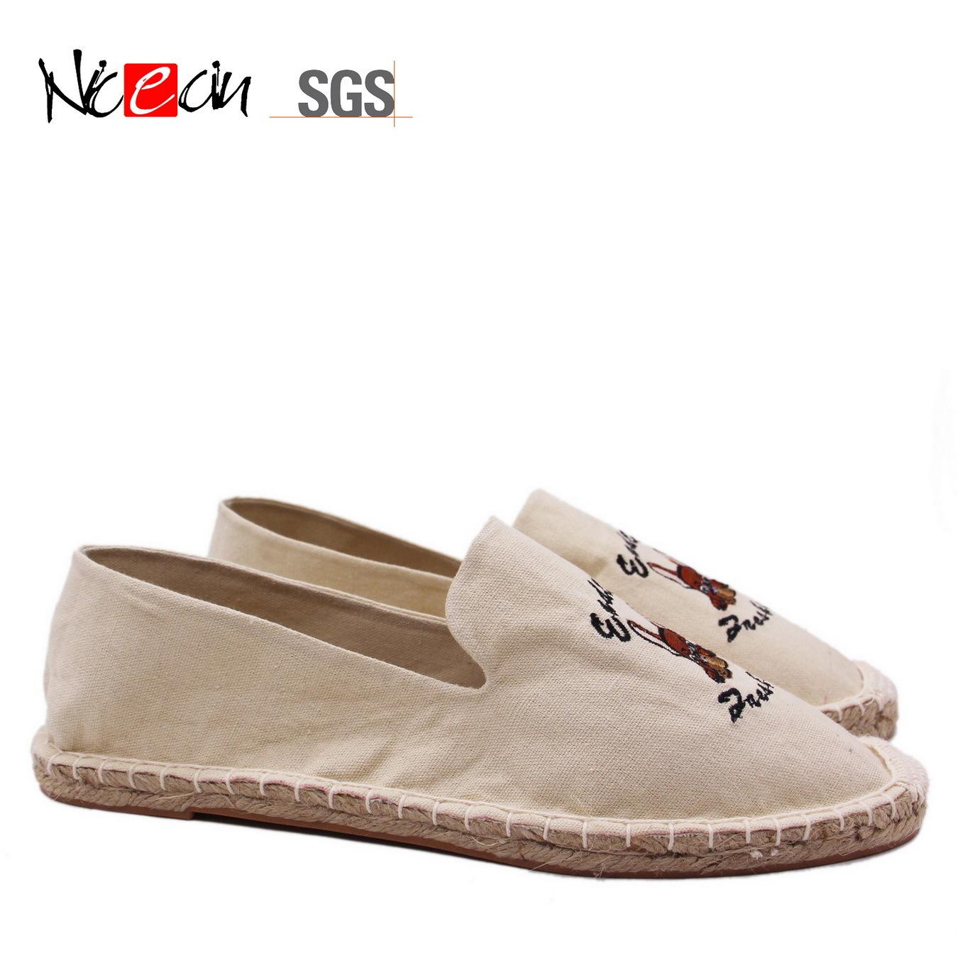 0e3cc3911 China Cartoon Fashion White/Yellow Cute Wholesale Comfortable Espadrilles -  China Custom Shoes Espadrilles, White Canvas Espadrilles Woman