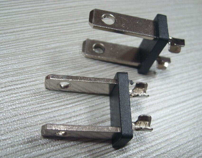China UL Type Non-Polarized Plug Inserts Photos & Pictures - Made-in ...