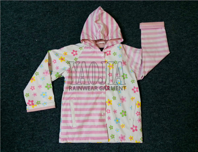 Popular Style Beautiful Kids Girl Rain Jacket with PU Coating