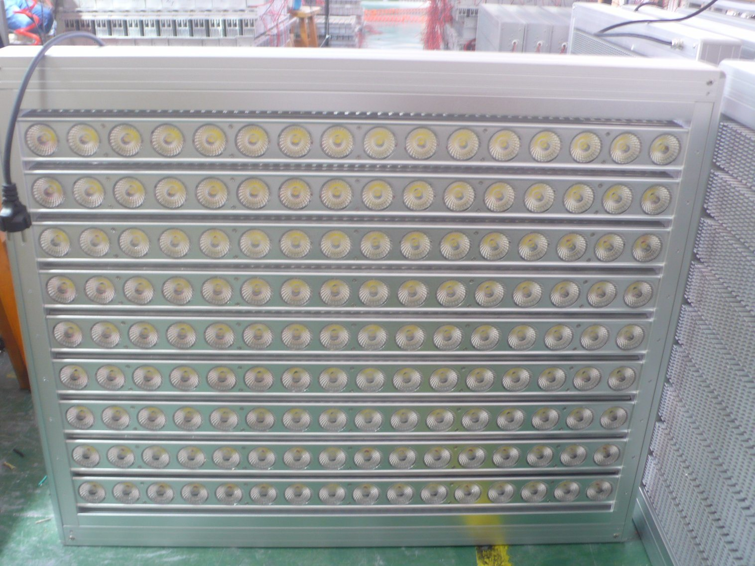 1000000 Lumen LED Outdoor Flood Light 1000W 2000W 3000W 4000W 5000W pictures & photos