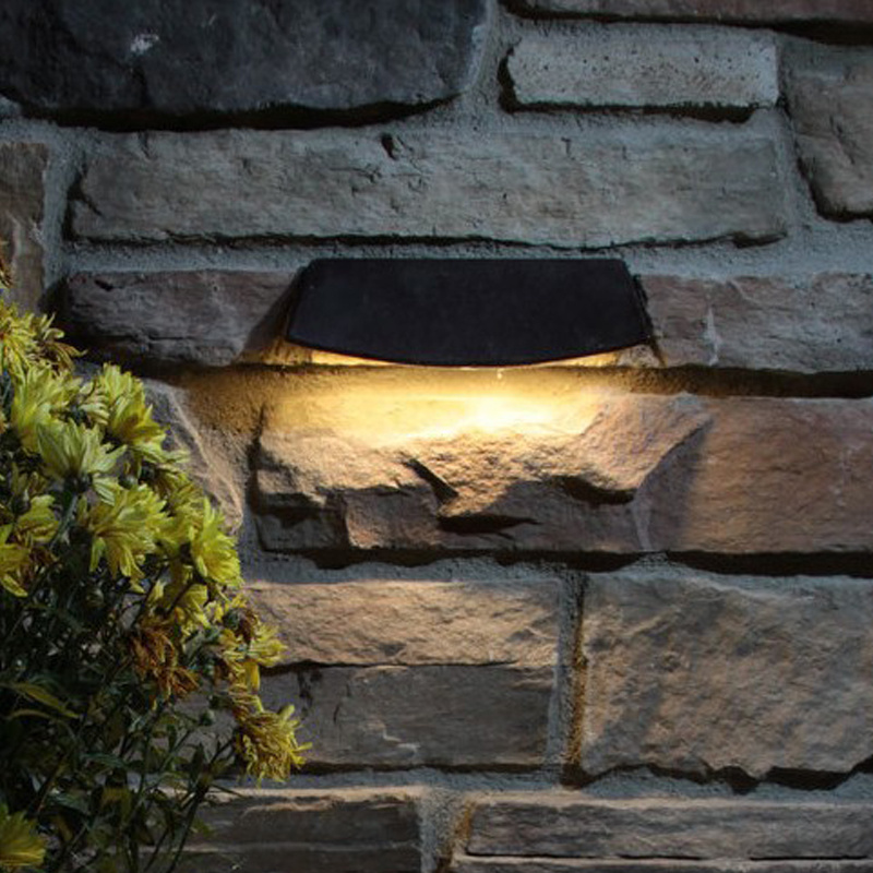 Hot Item Waterproof Retaining Wall Lights Under Capstone Low Voltage Module Design