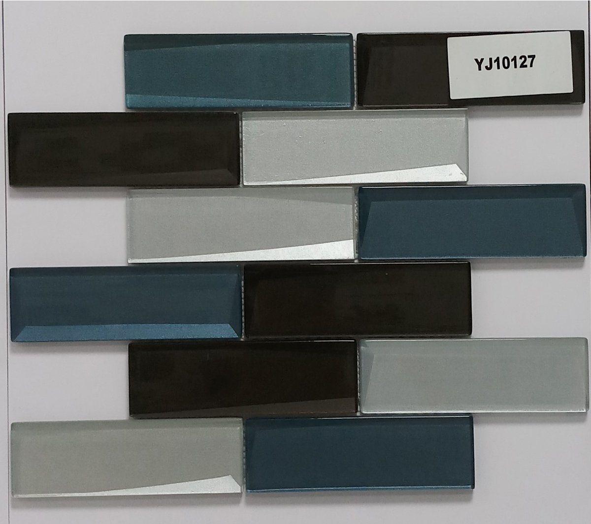 - China Home Building Glass Tile Kitchen Backsplash Idea Bath Shower