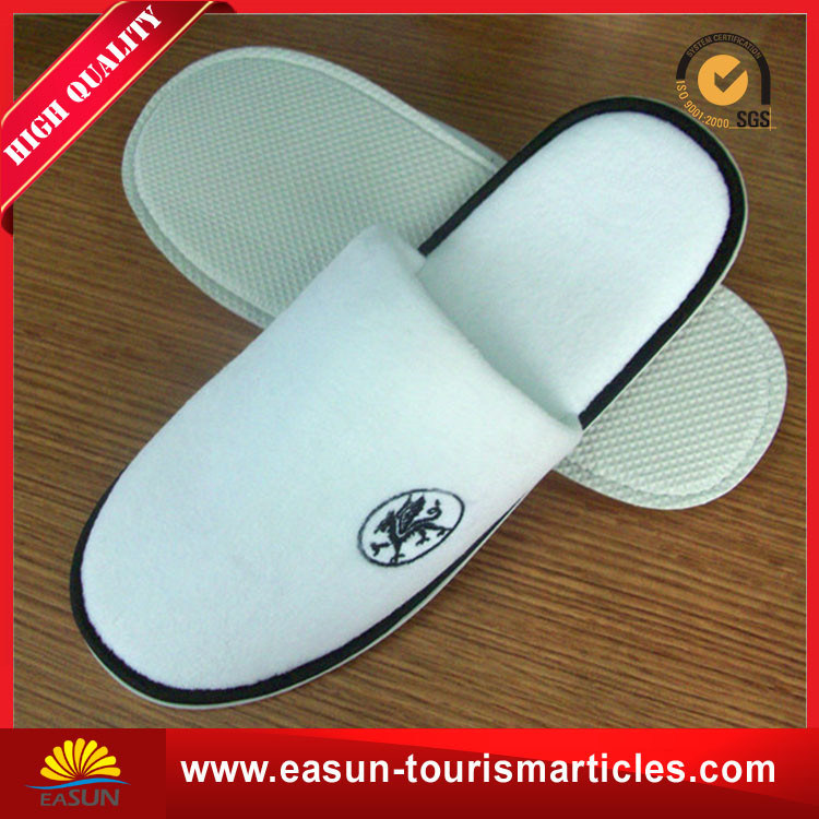Hotel Slipper with Custom Printed Logo pictures & photos