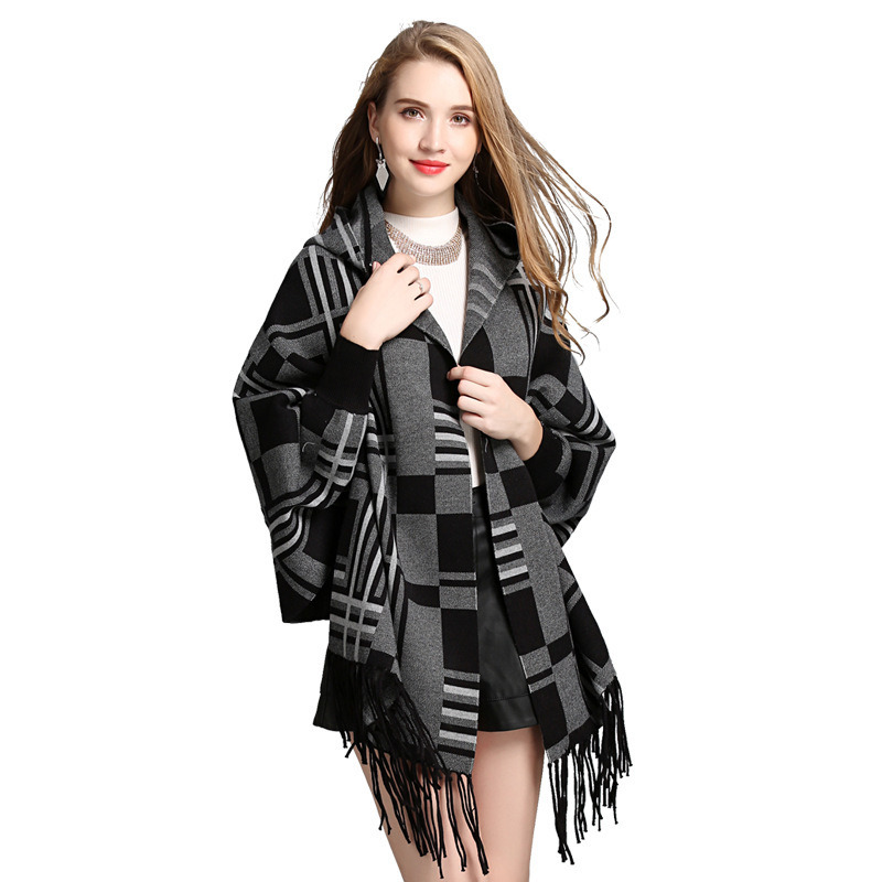 Fashion Shawl Plaid Cap Fringed Knitted Cardigan pictures & photos