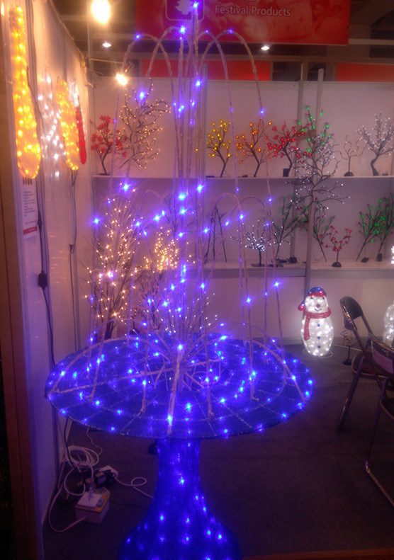 Christmas Decoration LED Fountain Motif LED Decoration Light pictures & photos