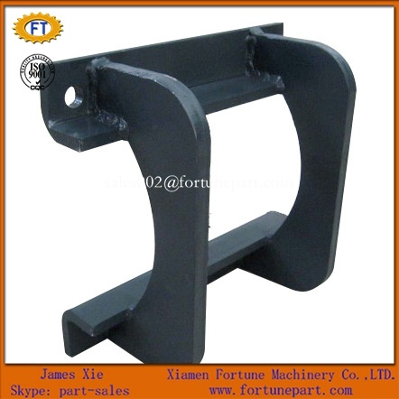 [Hot Item] Track Chain Guard for Caterpillar Excavator Undercarriage Spare  Parts