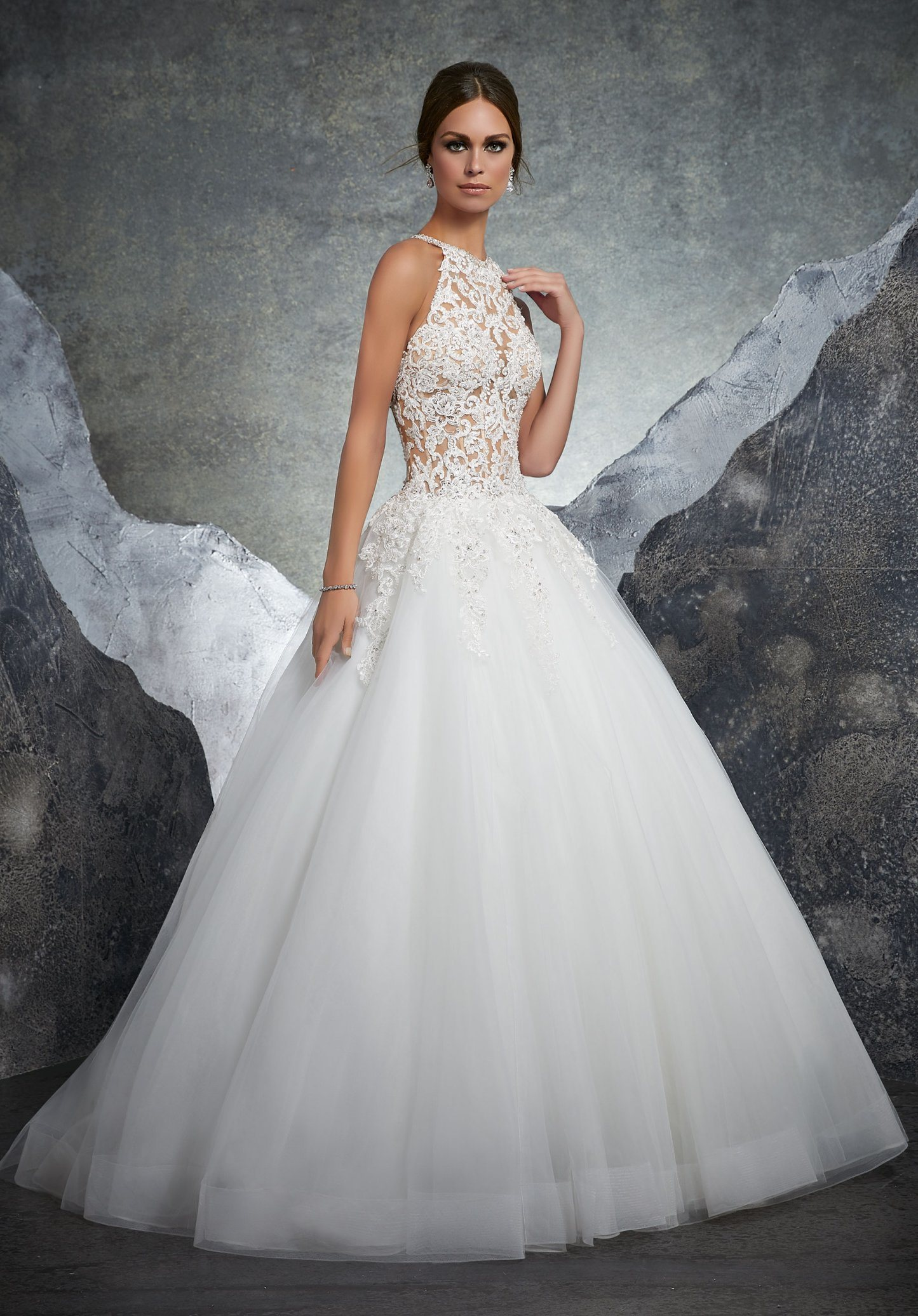 China Top Quality Halter Sexy Applique Lace Wedding Gown With Beads