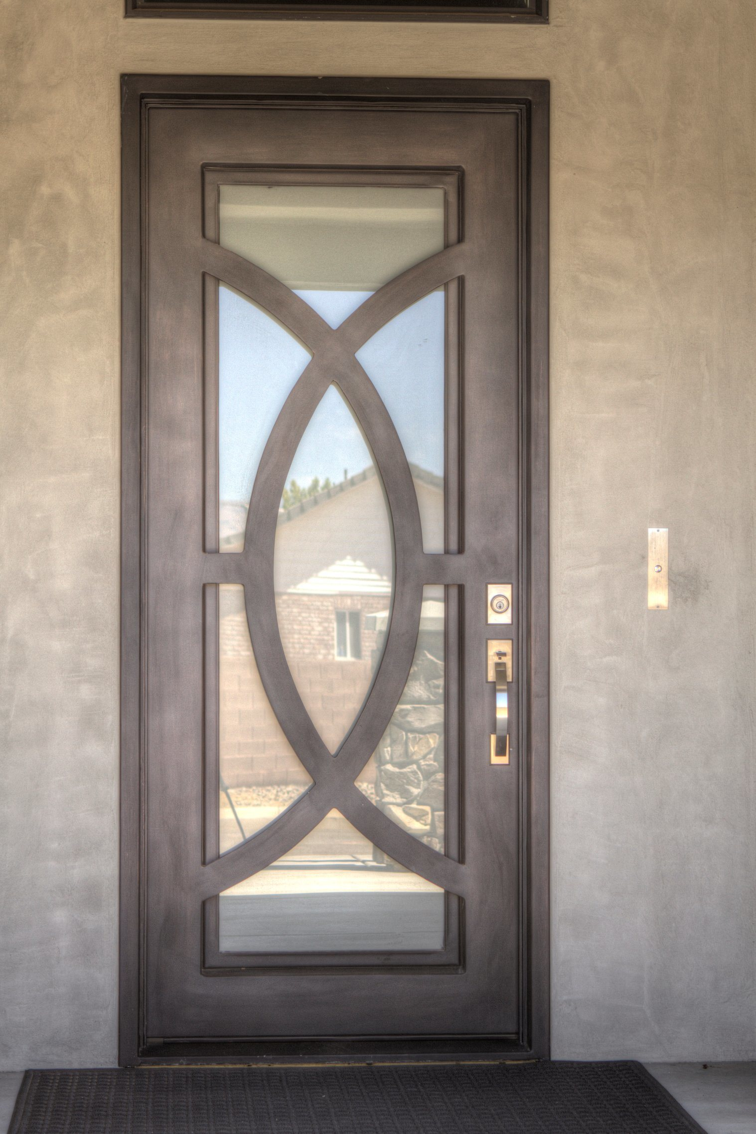 China Exterior Decorative Full Round Top Iron Entry Doors For Home