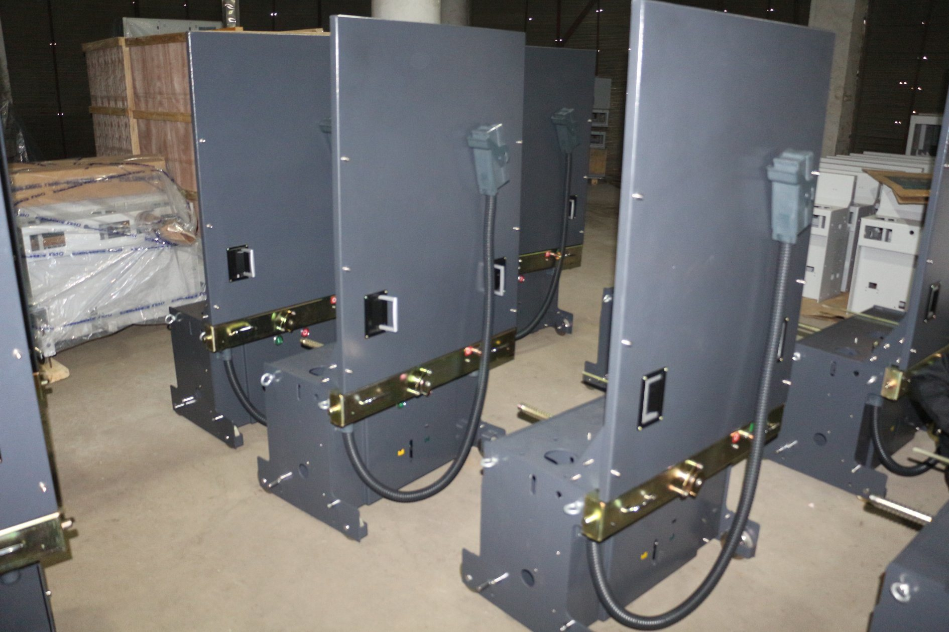 35kv Vacuum Circuit Breaker for Indoor High Voltage with Trolley Patent Ce (VCR1-40.5)