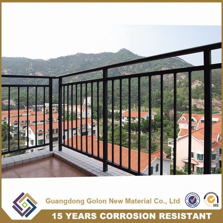 Aluminum Steel Metal Wought Iron Residential House Curve Balcony Railing pictures & photos