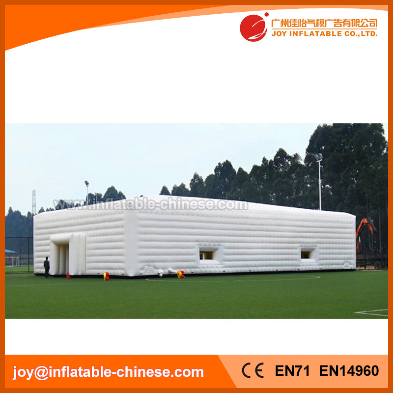 Large Camping Tent Inflatable Marquee Tent with 4 Windows (Tent1-801) pictures & photos