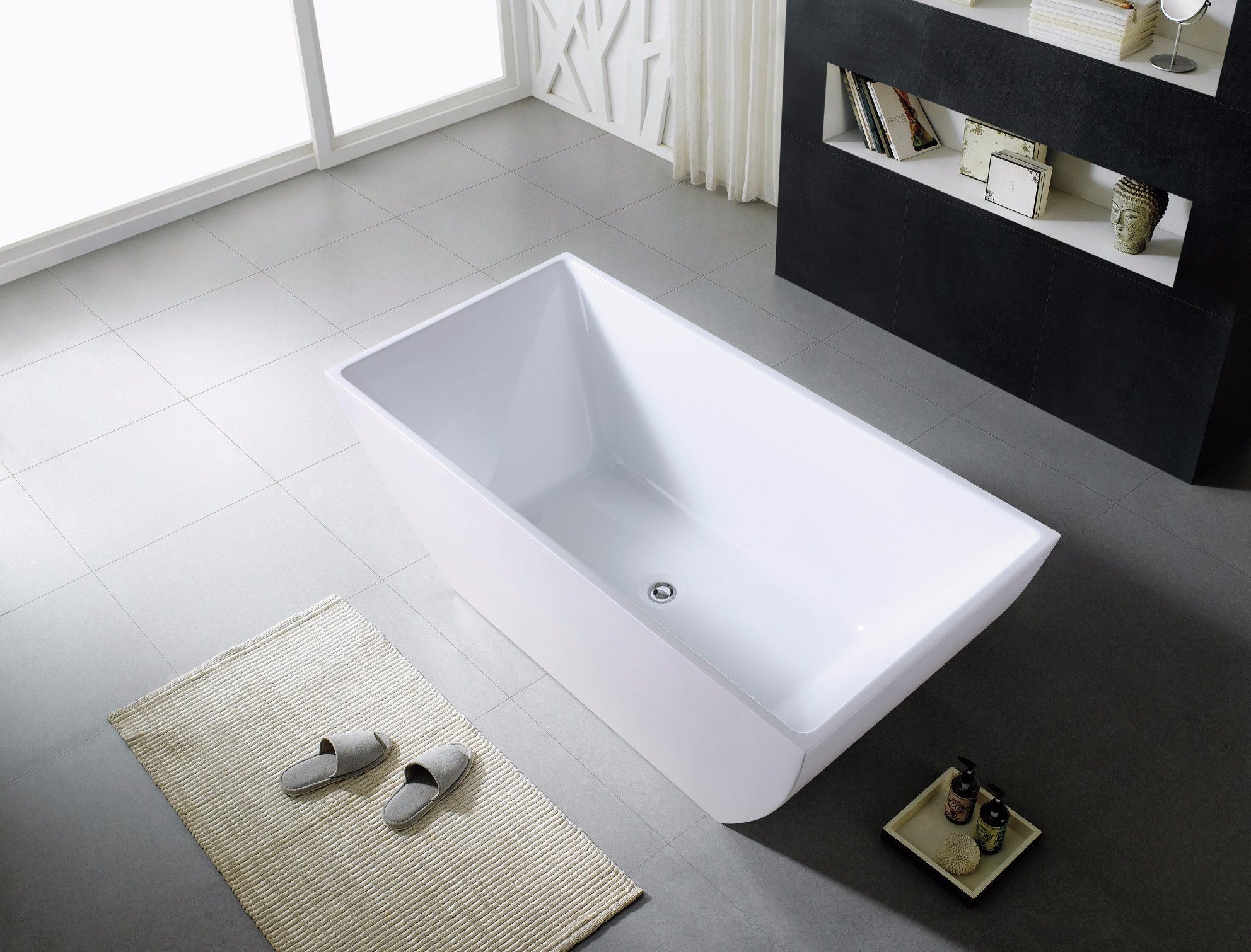 China Bathroom Supplies 1500/1700 Square Freestanding Tub - China ...