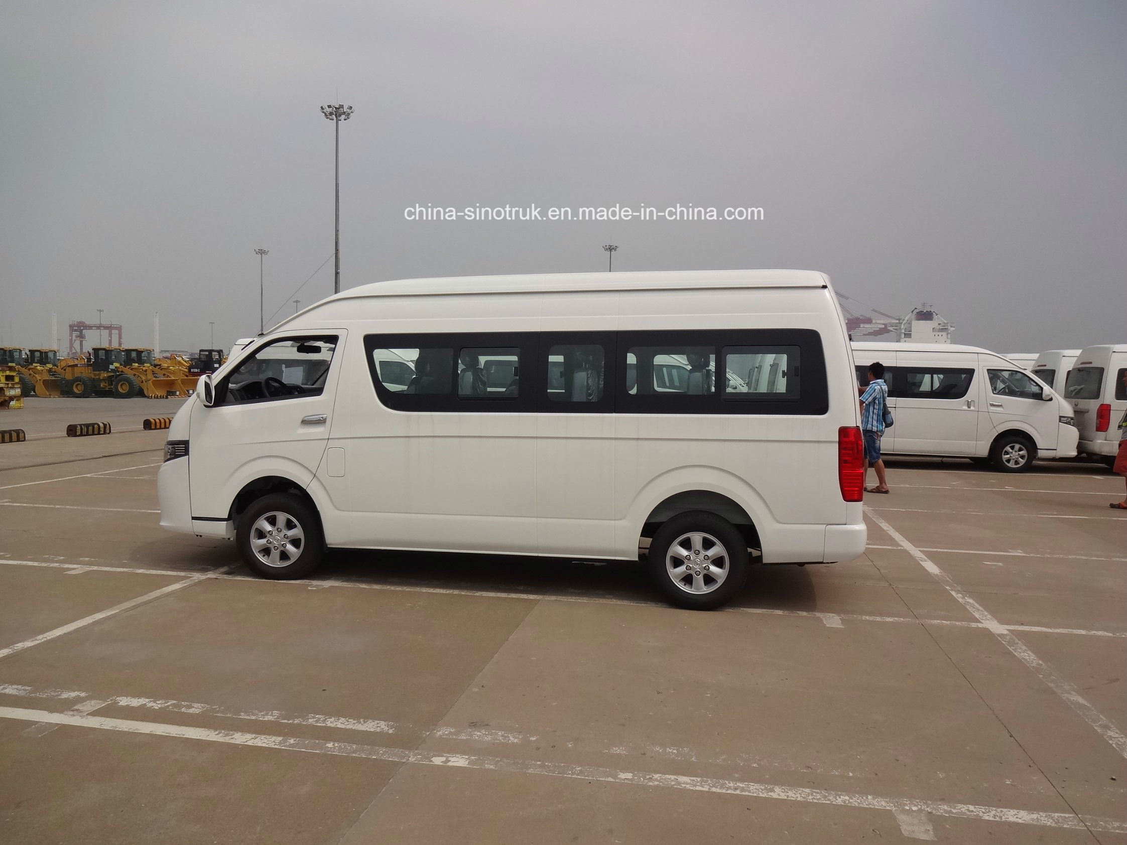 3d58617a77 China Competive Price Minibus of Luxury Big Haice 18 Seats Photos ...