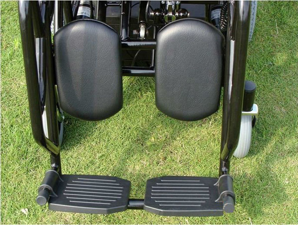 Folding Electric Power Wheelchair (THR-FP130) pictures & photos