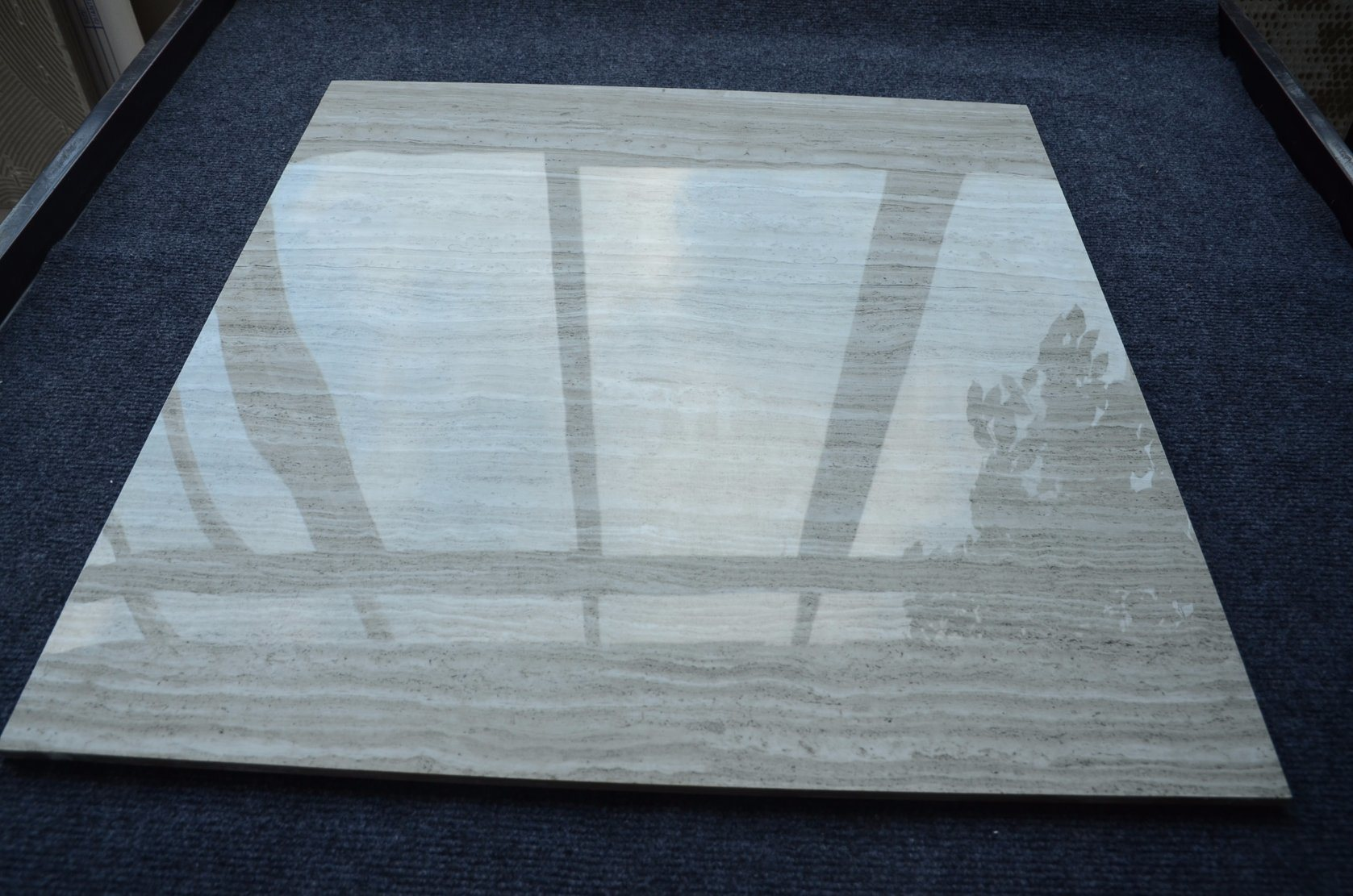 China HS651gn Gray Wood-Line Ceramic Tiles for Bedroom Guangdong ...