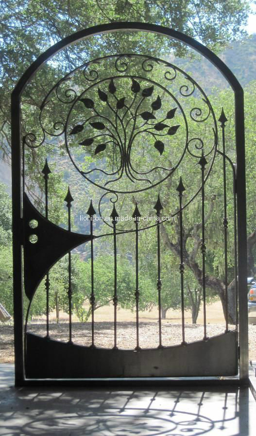 Different Hot Sales Artistic Design Security Wrought Iron Gates pictures & photos