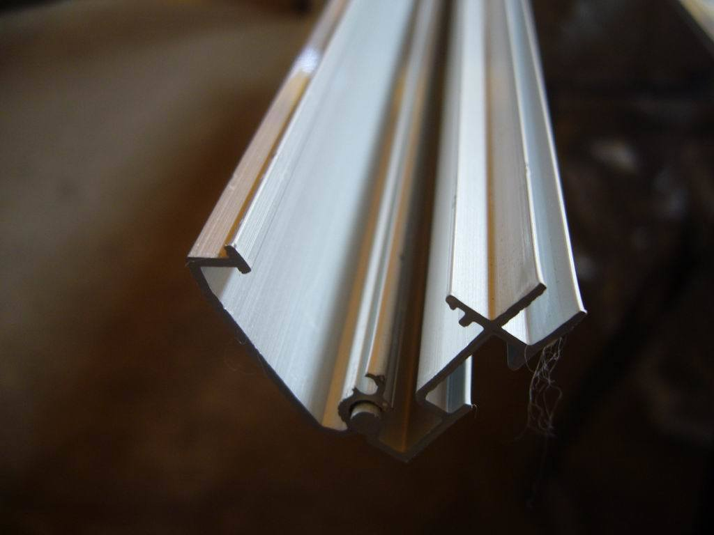 Aluminum Extrusion/Industrial Aluminium Profiles pictures & photos