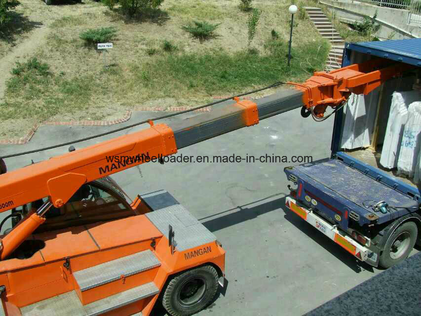10 Ton Telescopic Boom Forklift Truck with Ce Certification pictures & photos