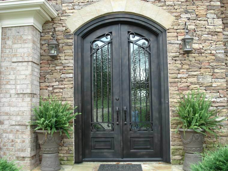 China Simple and Modern Style Wholesale Iron Glass of Interior Wrought Iron Door Photos