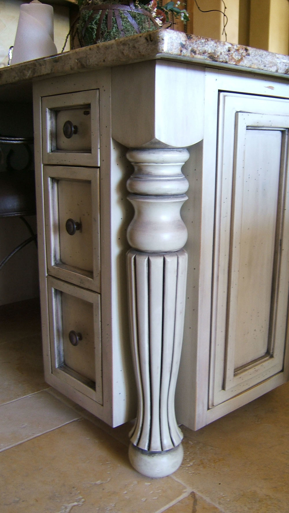 China Solid Wood Kitchen Cabinet Parts - China Solid Wood ...