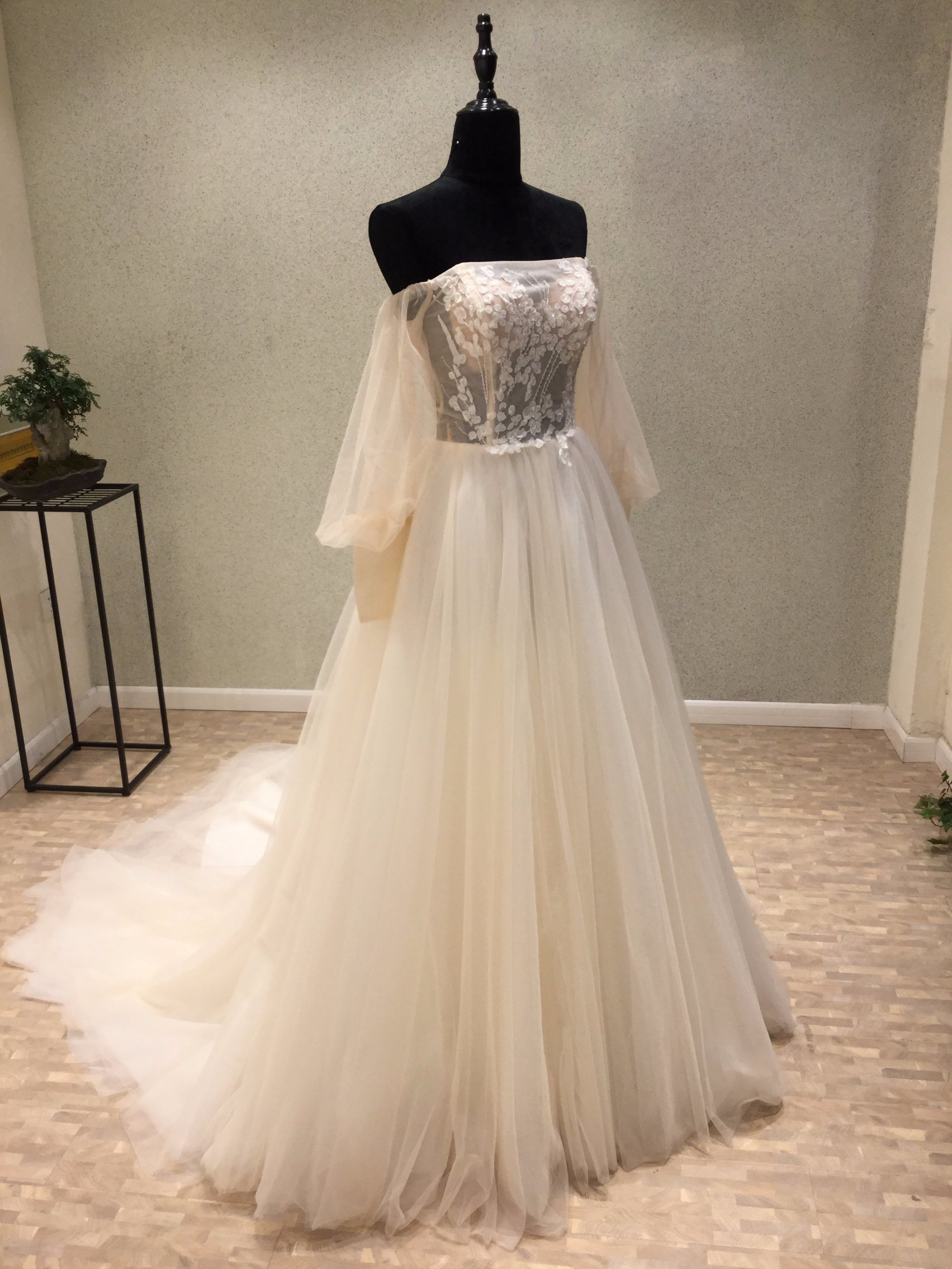 China High quality Long Sleeve Bridal Gown Wedding Dress Supplier ...
