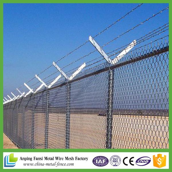 China Diamond Wire Mesh Galvanized Chain Link Fence - China Chain ...