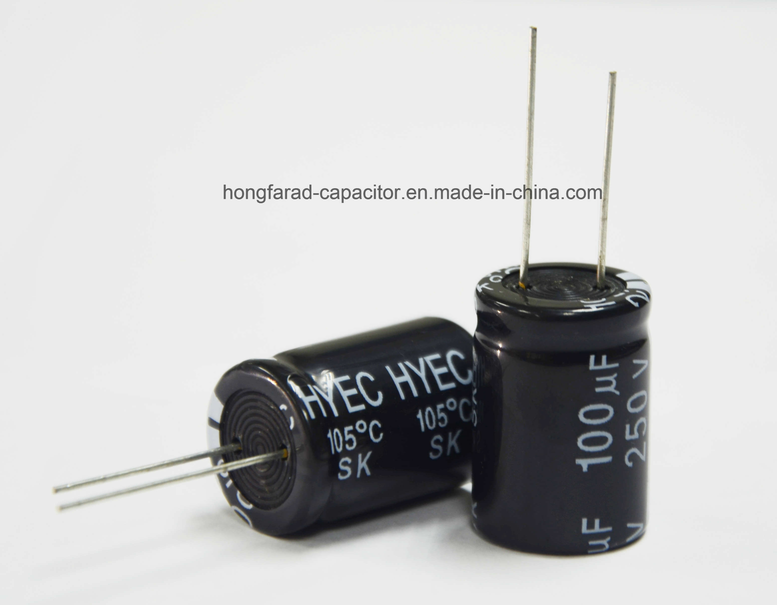 High Quality Sk Radial Type Aluminum Electrolytic Capacitor 2000h 105c pictures & photos