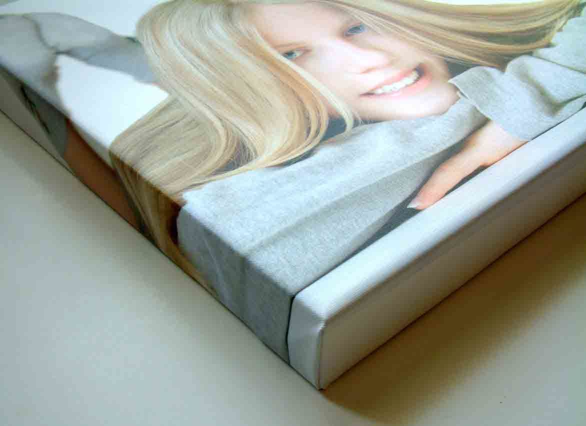 Custom Quality Canvas Photo Printing with or Without Frame
