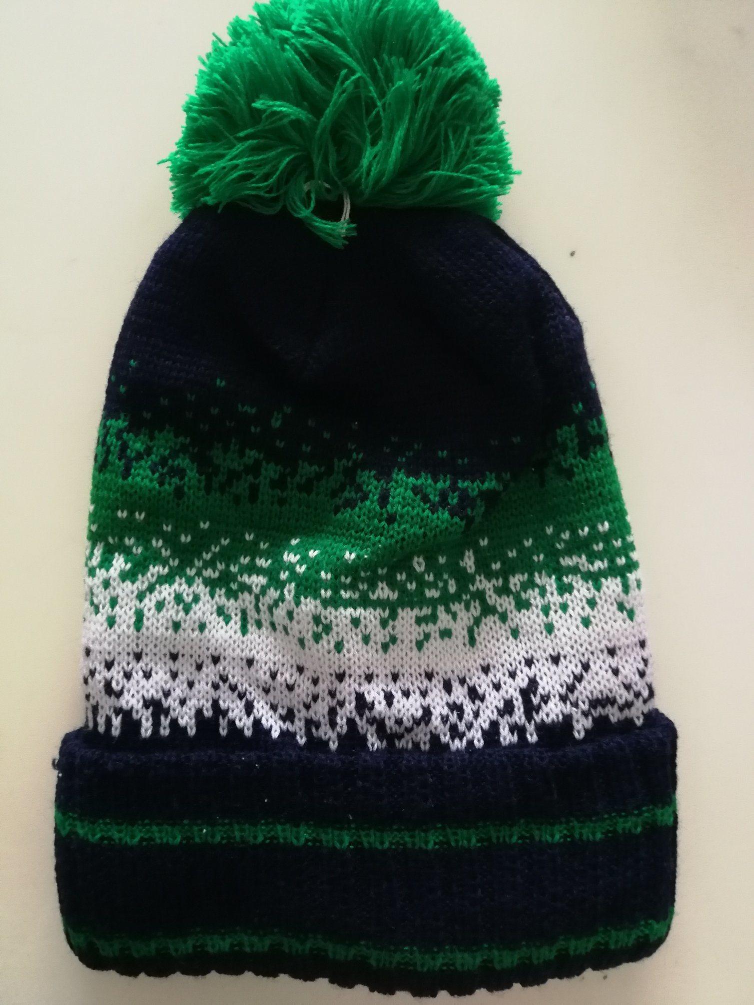 d7dbf5d200f China Green Beanie Hat Winter Warm Hats Knit Slouchy Skull Cap - China Team  Hat
